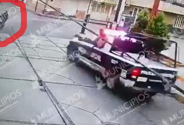 VIDEO Cae tras robar Oxxo en Texmelucan y ni así lo agarran
