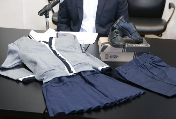 Inicia entrega de 3 millones 116 mil uniformes escolares