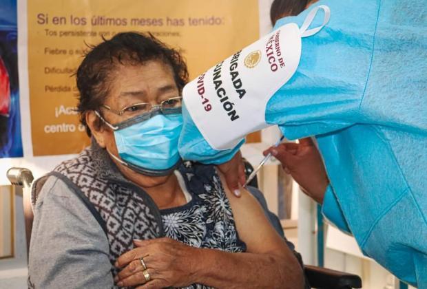 Inicia vacunación de segunda dosis Covid a personas de 50 a 59 años en Puebla