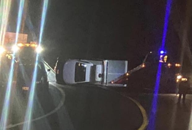 Se registra aparatoso accidente en la curva de la muerte en Atlixco