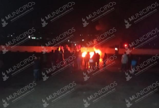 Bloquean la México-Puebla tras presunto abuso sexual en Tlahuapan
