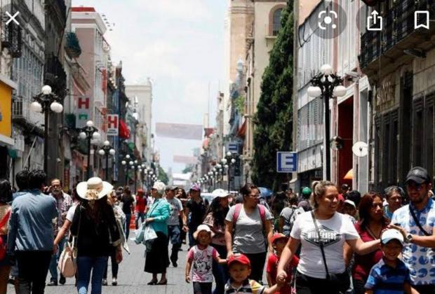 Puebla inicia semana con más de mil 400 casos activos de Covid