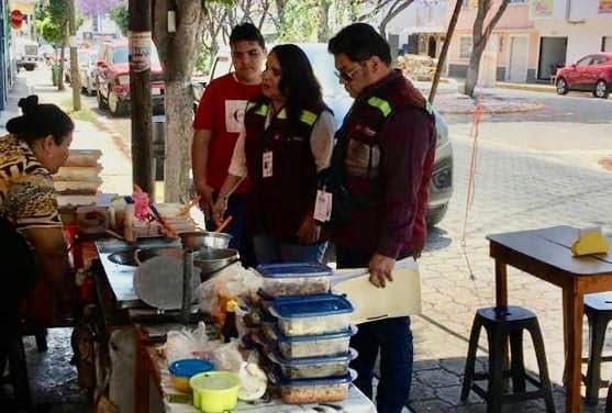Piden a comerciantes de alimentos extremar higiene por Covid19 en Tehuacán
