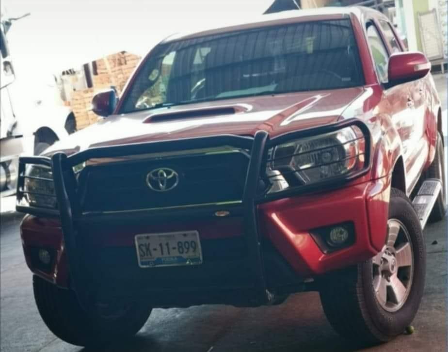 Civiles armados roban camioneta en Tochtepec