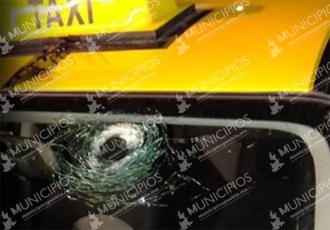 Persiguen y balean a taxista de Puebla en intento de robo en Tecamachalco