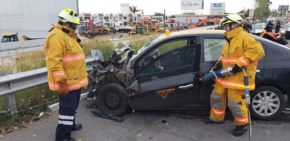 Este sábado, taxista y pasajera mueren en la México-Puebla