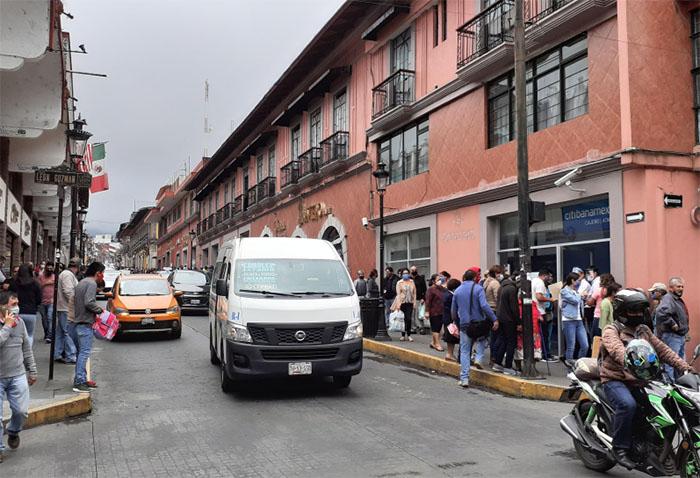 Suspenden transporte público en Teziutlán para evitar casos Covid