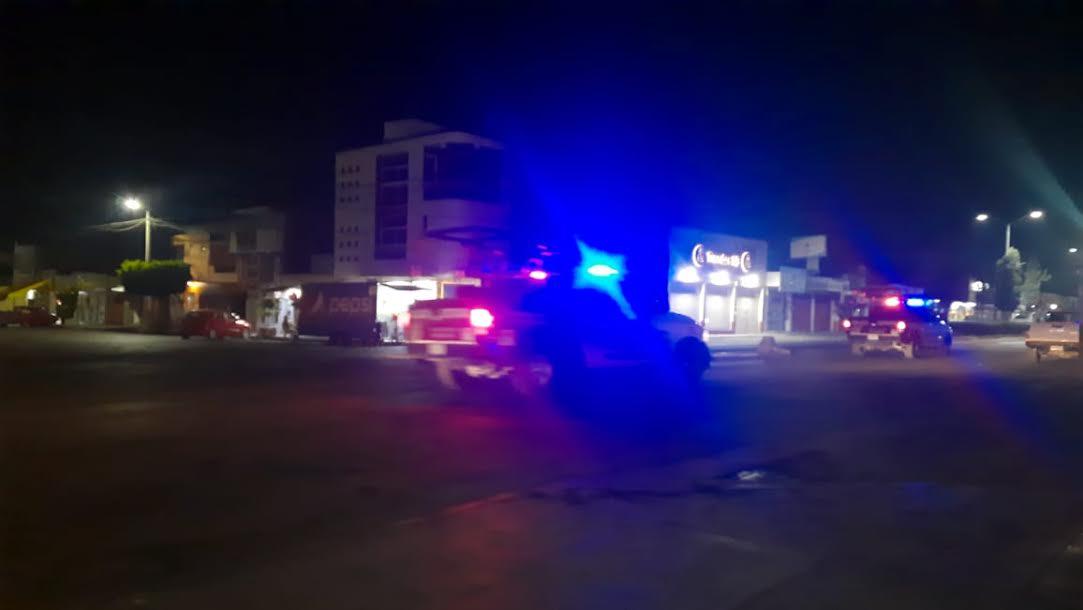Dejan dos cadáveres en una camioneta robada en Tecamachalco