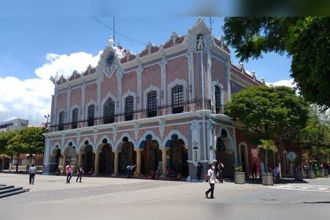 Remueven a 90 por ciento de directores en Ayuntamiento de Tehuacán
