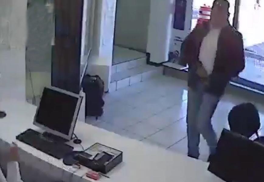 Registran disparos en asalto a Telcel de Plaza Loreto en Puebla