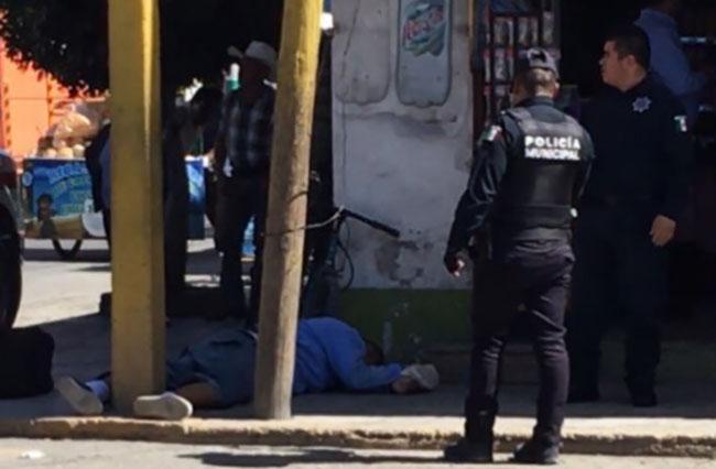 Acribillan a jefe de la policía de Tecamachalco al bajar del AU en Tepeaca