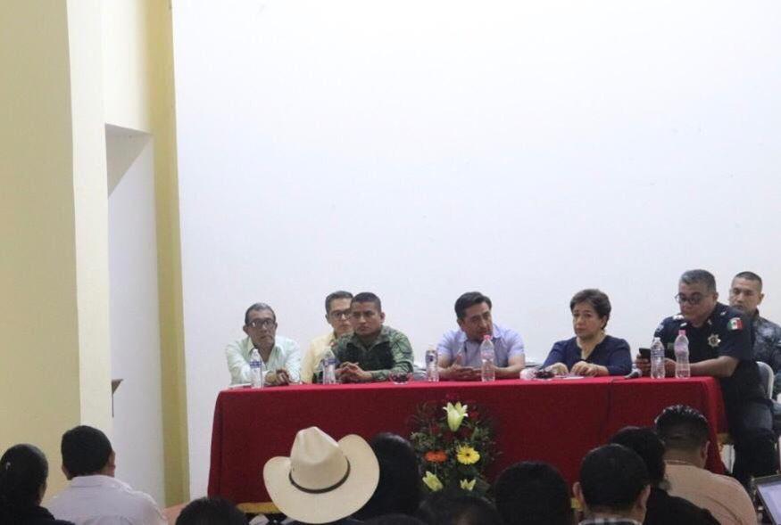 Encañonan a alcaldesa de Tepexi y le quitan camioneta