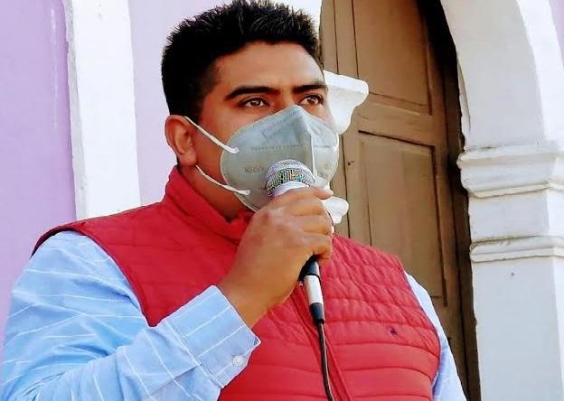 Policías intimidan al candidato del PRI a la alcaldía de Tepeyahualco