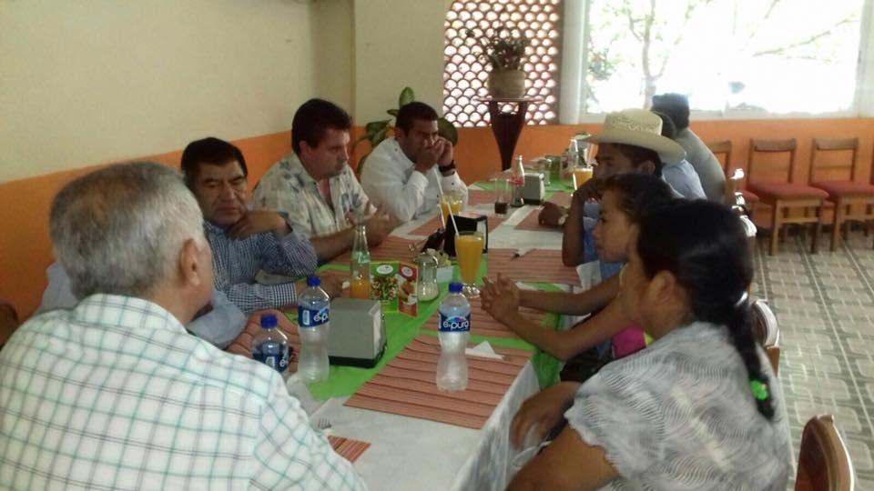 Marín facilita instalación de nueva estación de radio de Acatlán