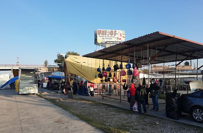Con pocos comerciantes y clientes se reactiva el tianguis de Texmelucan