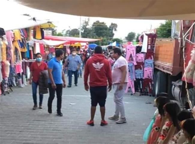 Tianguistas de Texmelucan se van a Tlaxcala para realizar sus ventas