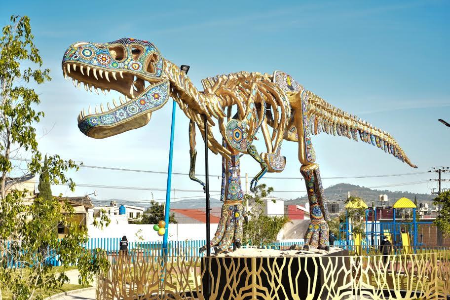 Conoce el tiranosaurio rex del Parque Felicidad en Texmelucan
