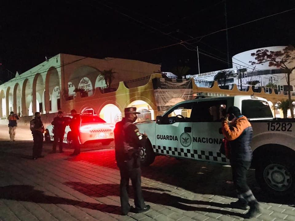 Detienen a 24 migrantes en Tlacotepec de Benito Juárez
