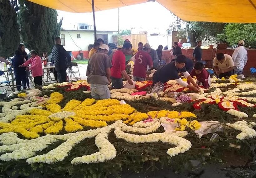 En Tlahuapan olvidan la sana distancia para festejar a Santa Rita