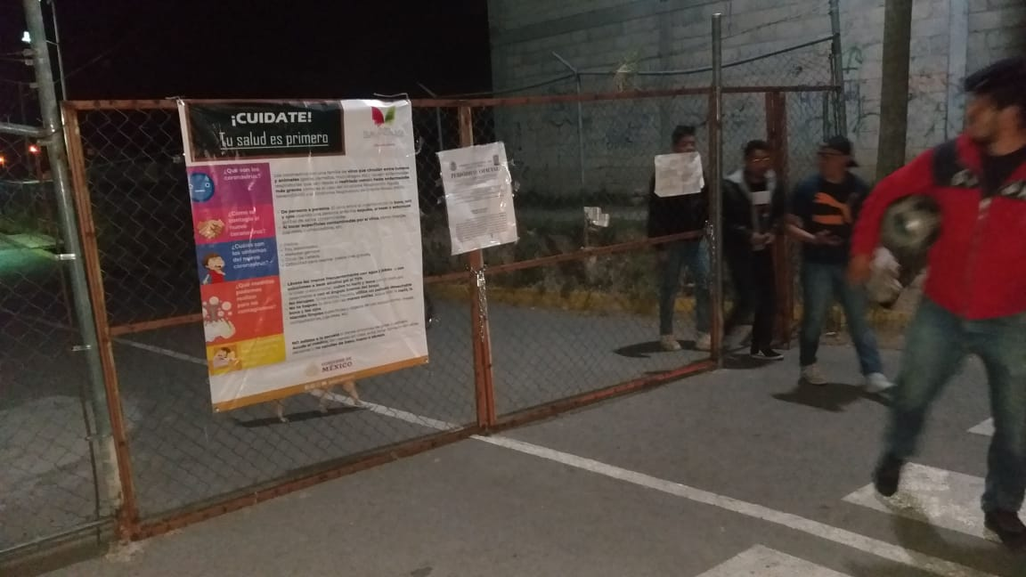 Cierran espacios deportivos y comunes  en Tlalancaleca por Covid-19