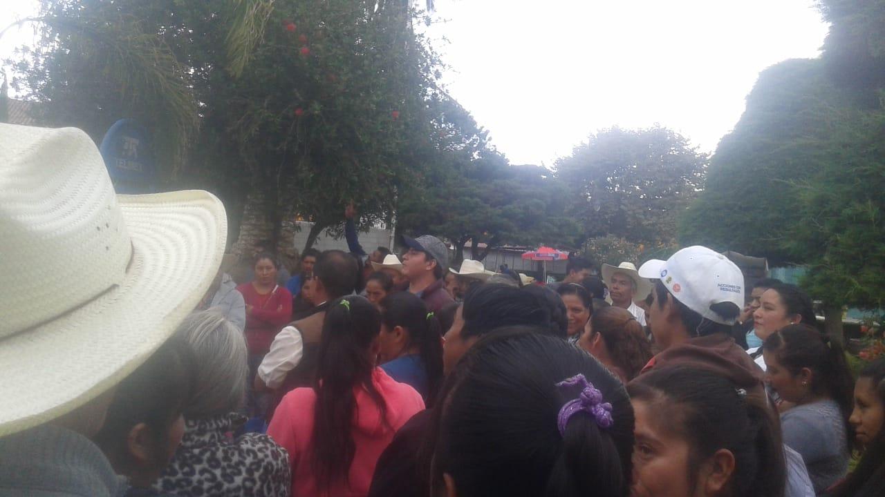 Piden antorchistas obra pública y servicios en Tlatlauquitepec