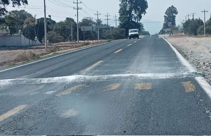 Asaltan nuevamente a camión de trabajadores de AUDI en Acajete