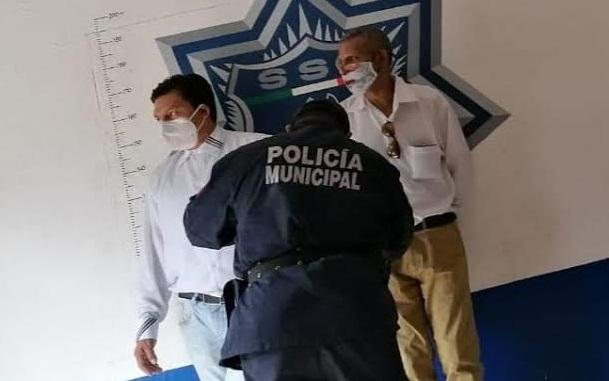 Los detienen por usurpar a personal de Salud en Venustiano Carranza