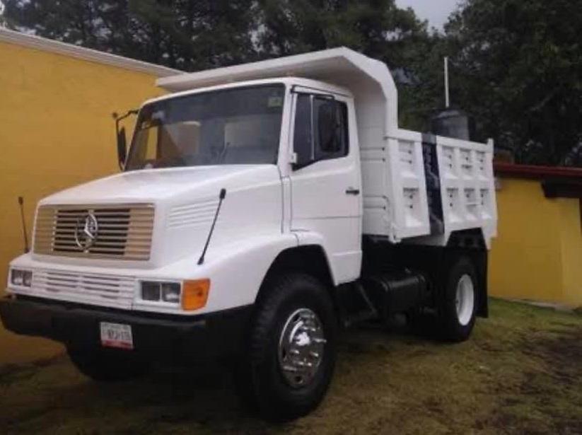 Roban camión cargado de arena en Tecamachalco