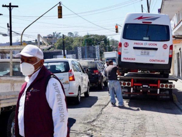 Asegura SMT seis unidades de transporte público pirata en Tlatlauquitepec y Coronango