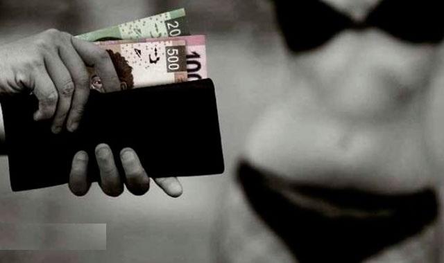 Se prostituyen en bodegas de ambulantes en el centro de Puebla