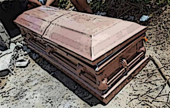 Descubren tumba clandestina en panteón de Izúcar