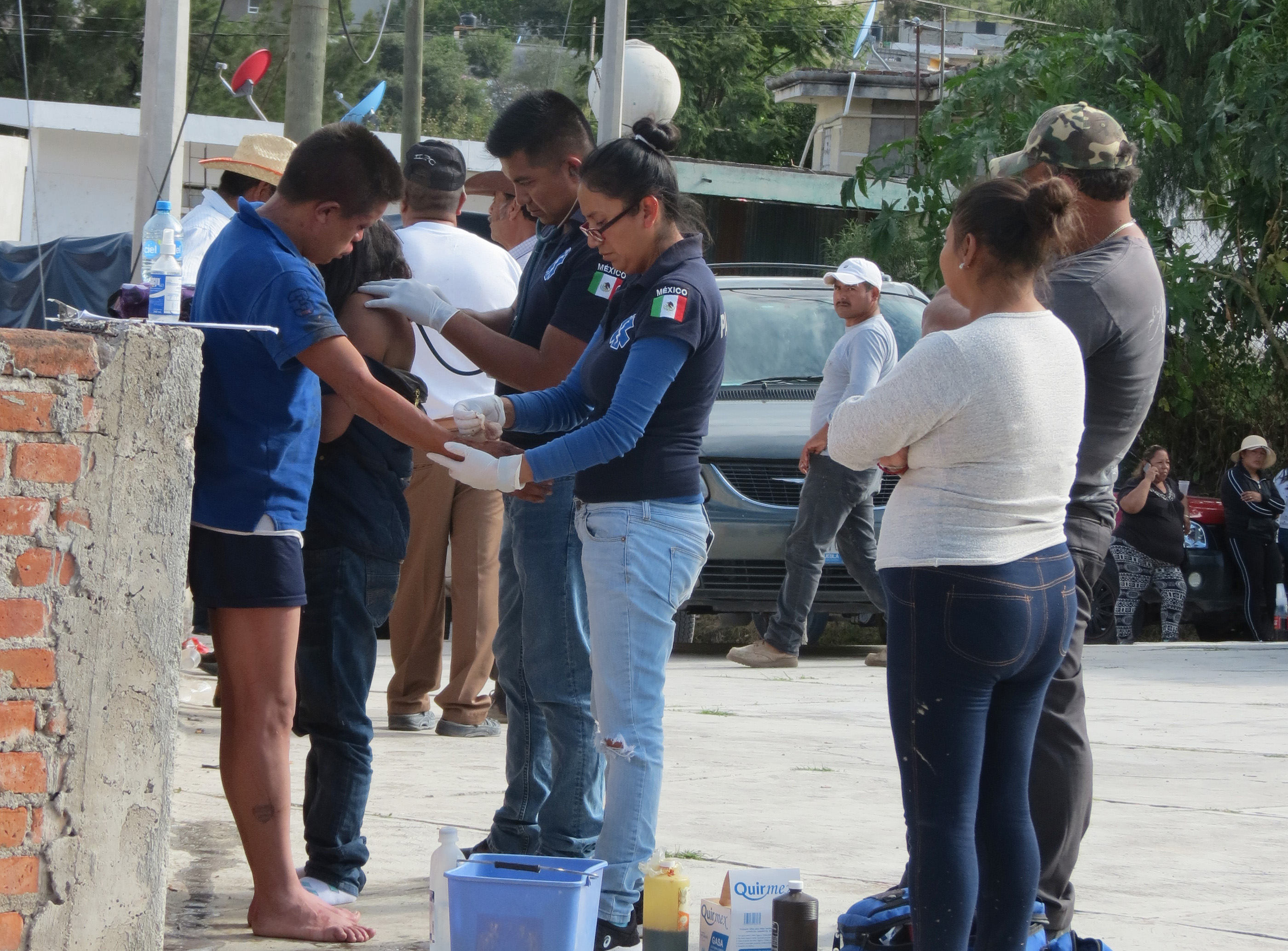 Rescatan a pareja que iban a linchar por robo en Tzicatlacoyan