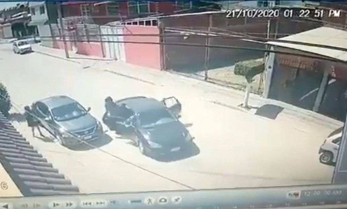 VIDEO Así escapó chofer de Uber a intento de asalto