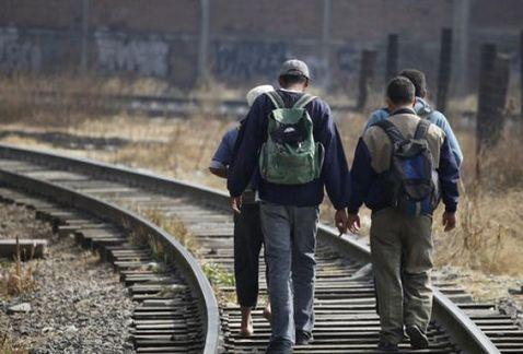 INM examina a migrantes deportados para descartar COVID19