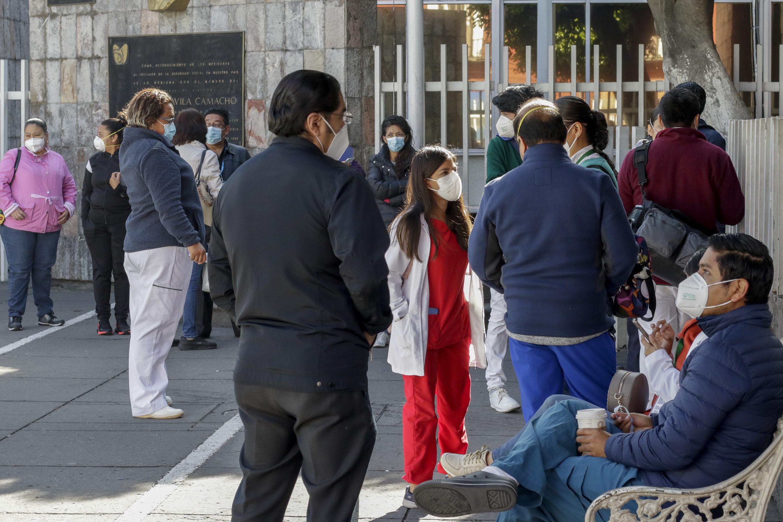 Bajan cifras de Covid pero Puebla sigue entre los 10 estados más afectados