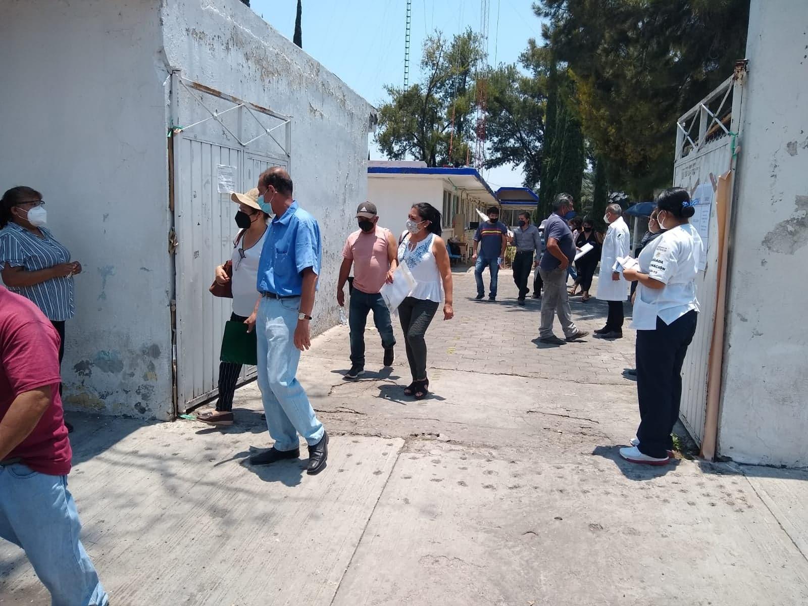Baja afluencia reporta primer día de vacunación Covid de 50 y más en Tehuacán