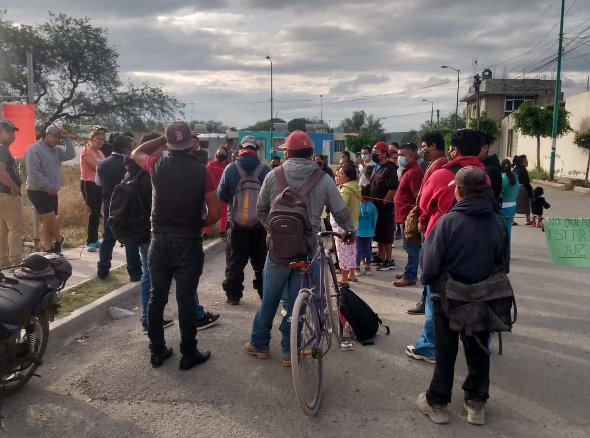 Sin alumbrado público, fraccionamiento Hacienda La Juventud en Tehuacán
