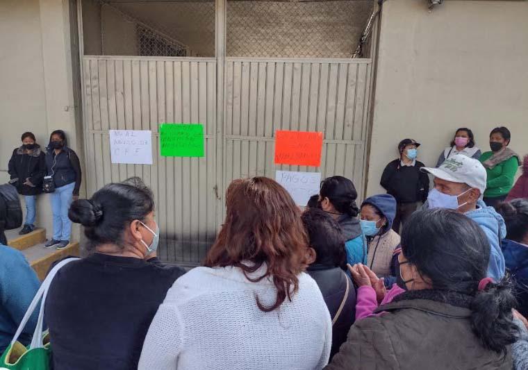 Con apoyo de vecinos y policía, CFE realizará revisión de recibos en Texmelucan