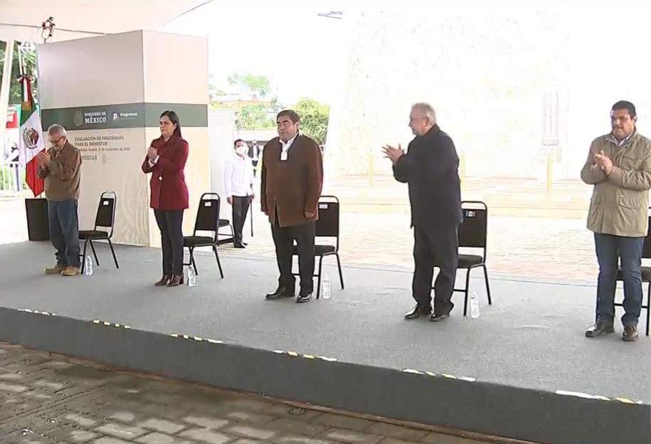 VIDEO López Obrador inicia su gira de trabajo por Xicotepec
