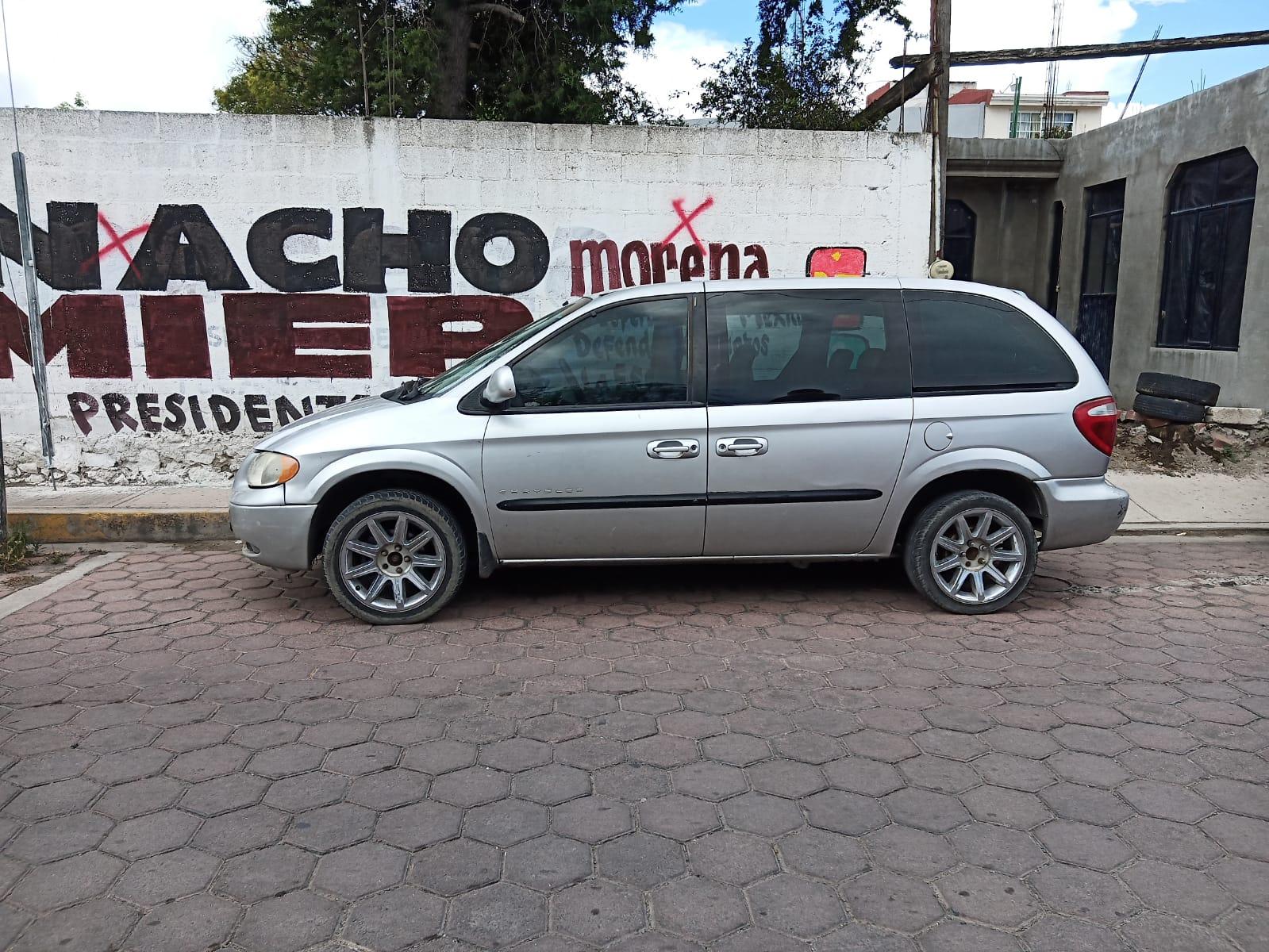 Ubican en Tecamachalco camioneta familiar con reporte de robo