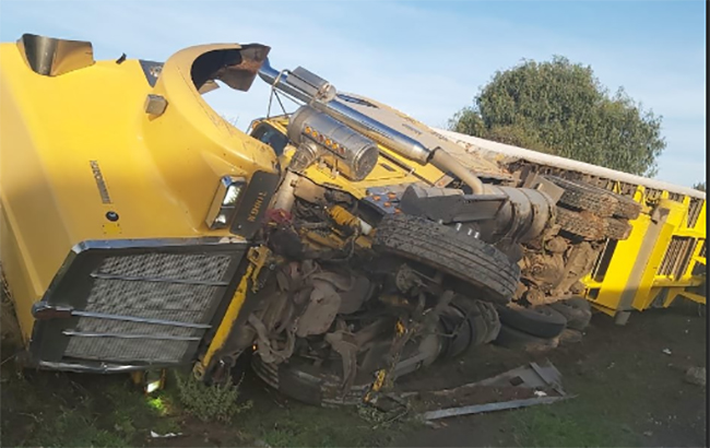 Un lesionado deja volcadura de tráiler en la autopista Puebla-Orizaba