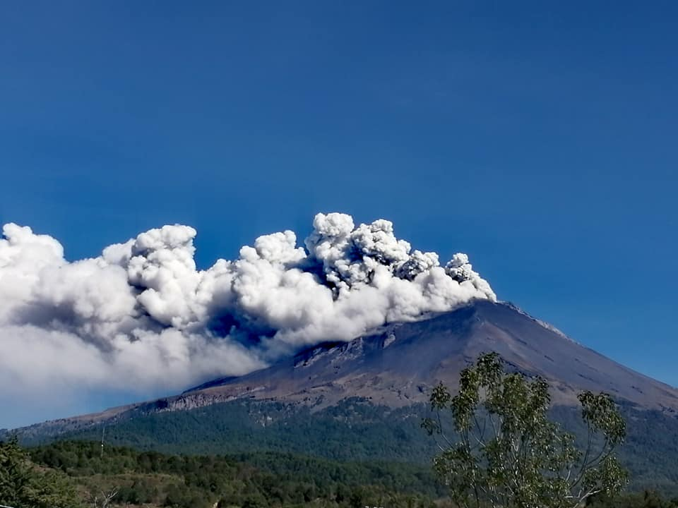 Sorprende caída de ceniza volcánica en Valle Libres-Oriental