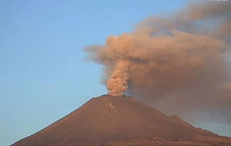 Popocatépetl presenta dos explosiones esta mañana