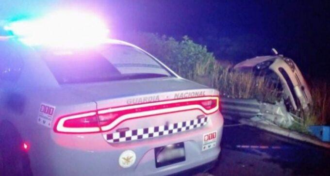 Mueren dos mujeres tras voltear su auto en Palmar de Bravo
