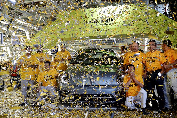 VW Puebla le dice adiós al último Beetle