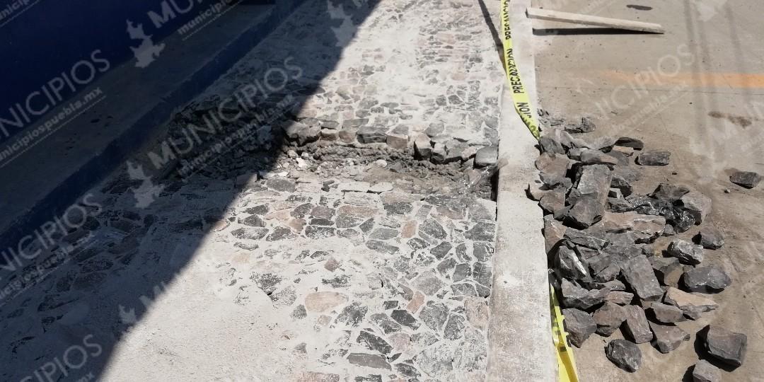 Edil de Zacapoaxtla impone obras inservibles y peligrosas, acusan