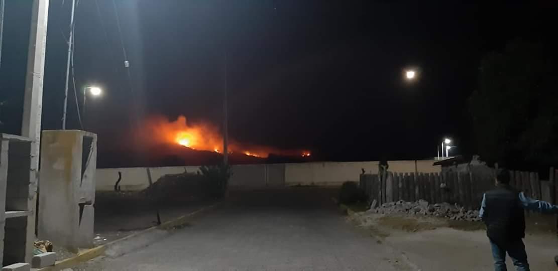 Se reaviva fuego en cerro de San Miguel Zoapan en Tlachichuca