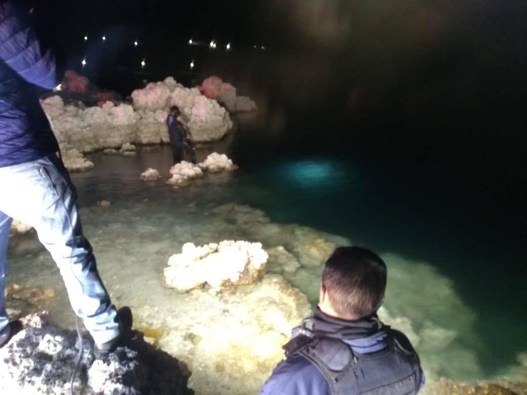 Joven ebrio se tira a la laguna de Alchichica