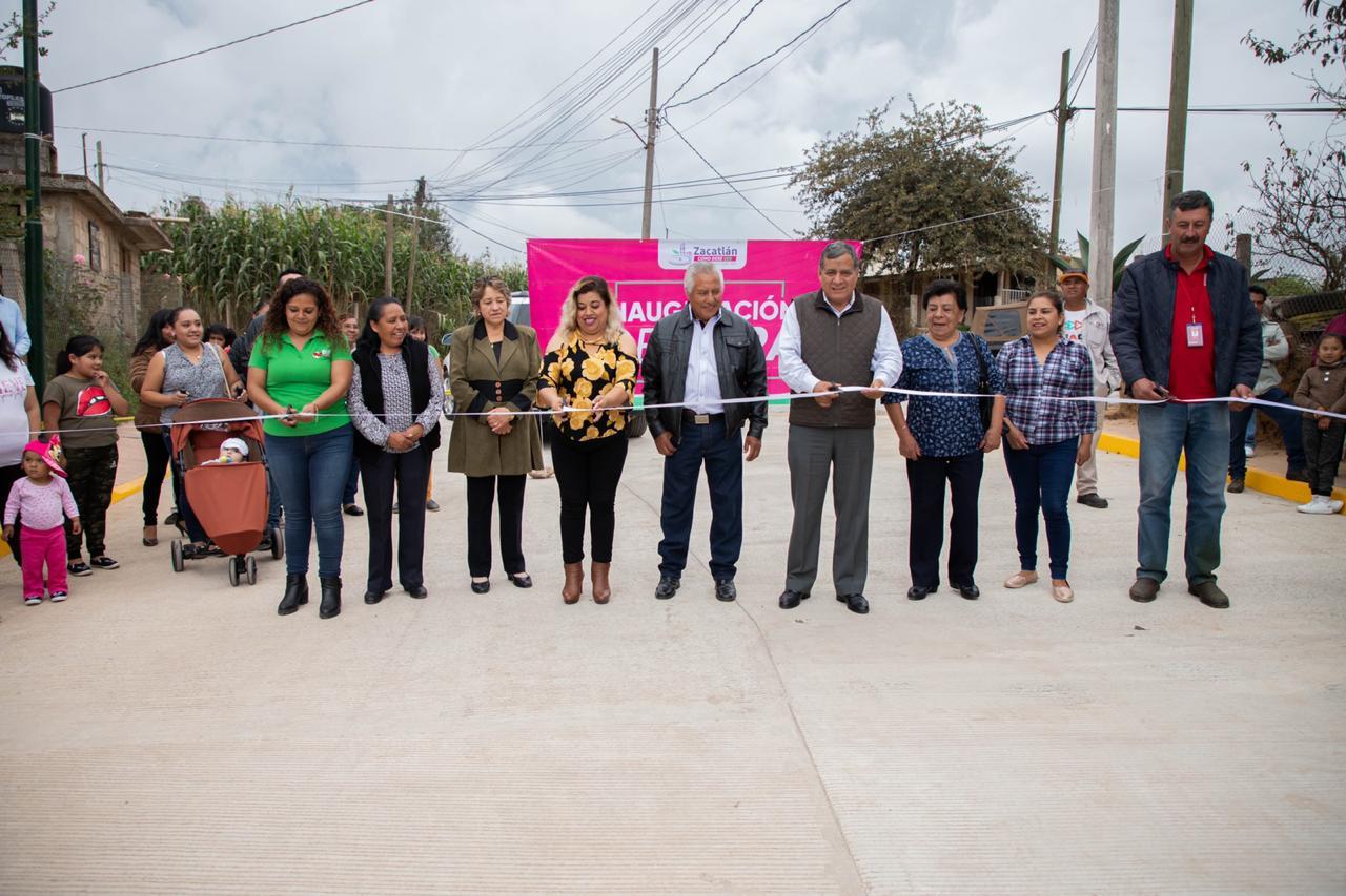Inauguran pavimentación con concreto hidráulico Zacatlán