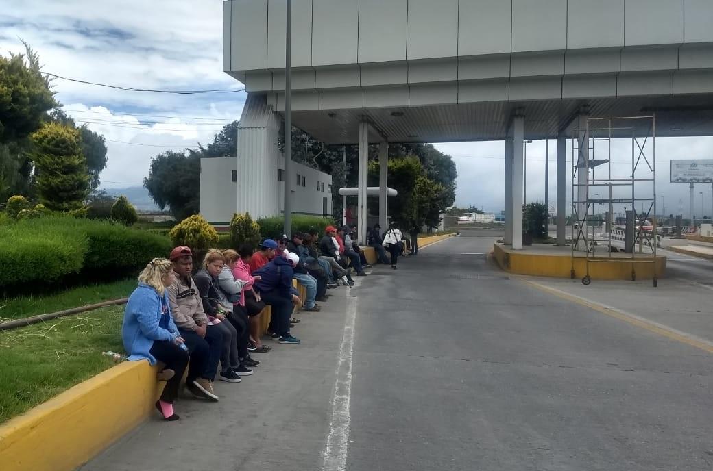 Tabasqueños piden dinero en protesta contra CFE en Esperanza